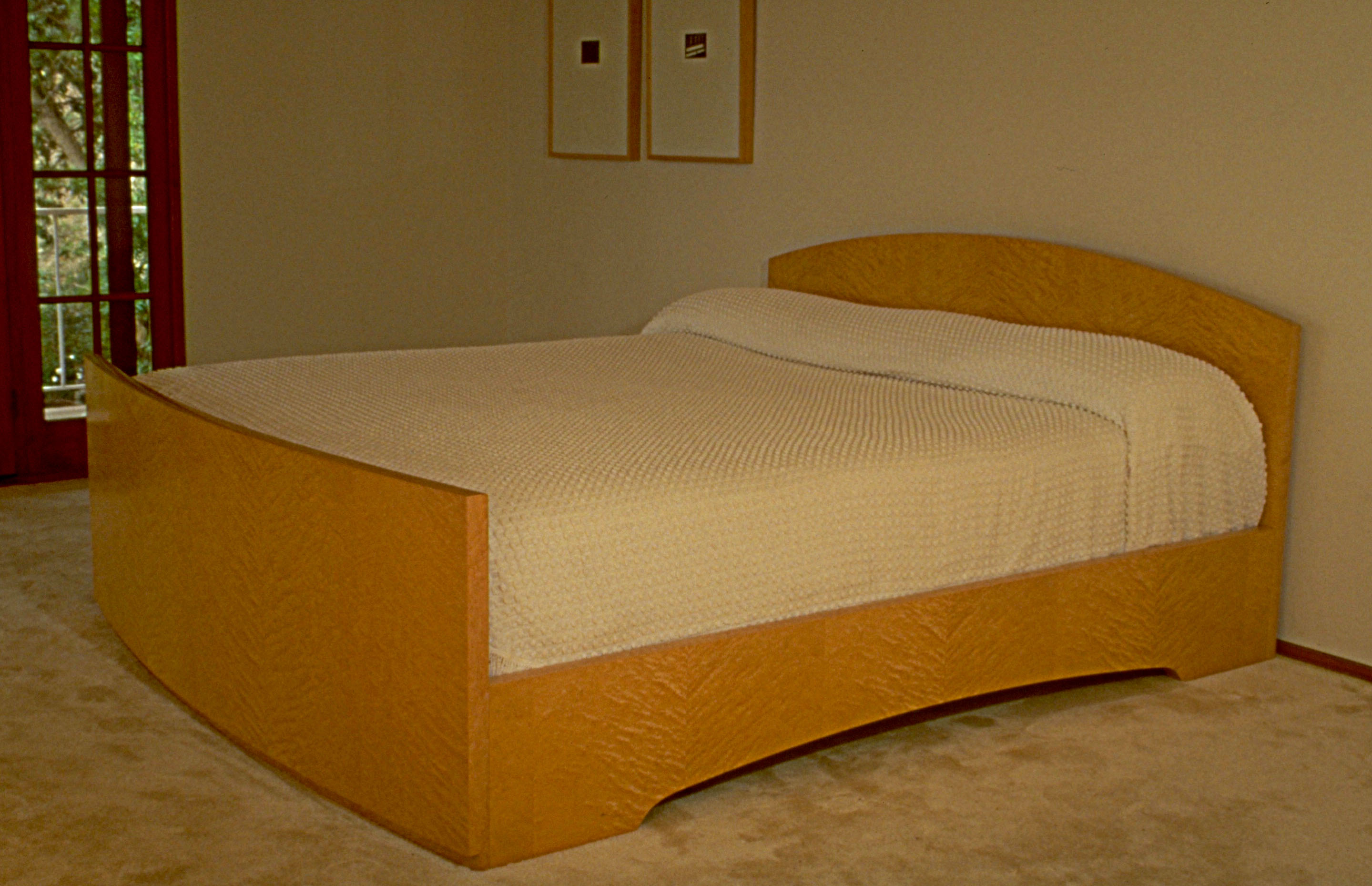 73. Birdseye Maple Bed - Paul Schürch - Veneer Artist